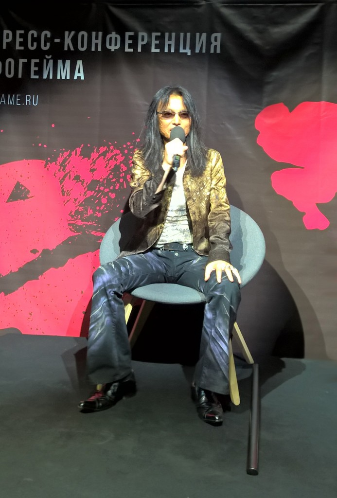 tomonobu-itagaki-at-4game-event