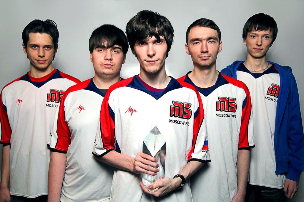 Легендарный состав Moscow 5 (слева направо): Darien, GoSu Pepper, Alex Ich, Genja и Diamondprox. За участие в ЧМ 2012 команда получила $150 тыс., свои самые большие призовые.