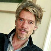 У экранизации The Division появился режиссер – Стивен Гэхен, сценарист «Трафика» и постановщик «Сирианы»