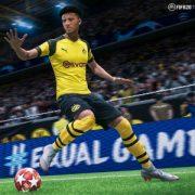 В FIFA 20 вы будете пинать мяч на улице