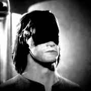 Квартира героя-затворника в новом видео Paranoid
