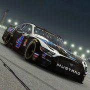 Посоревноваться в NASCAR Heat 4 можно будет в сентябре